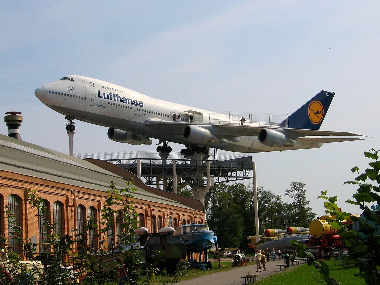 1280px-Speyer_Technical_Museum_LH_747.jpg